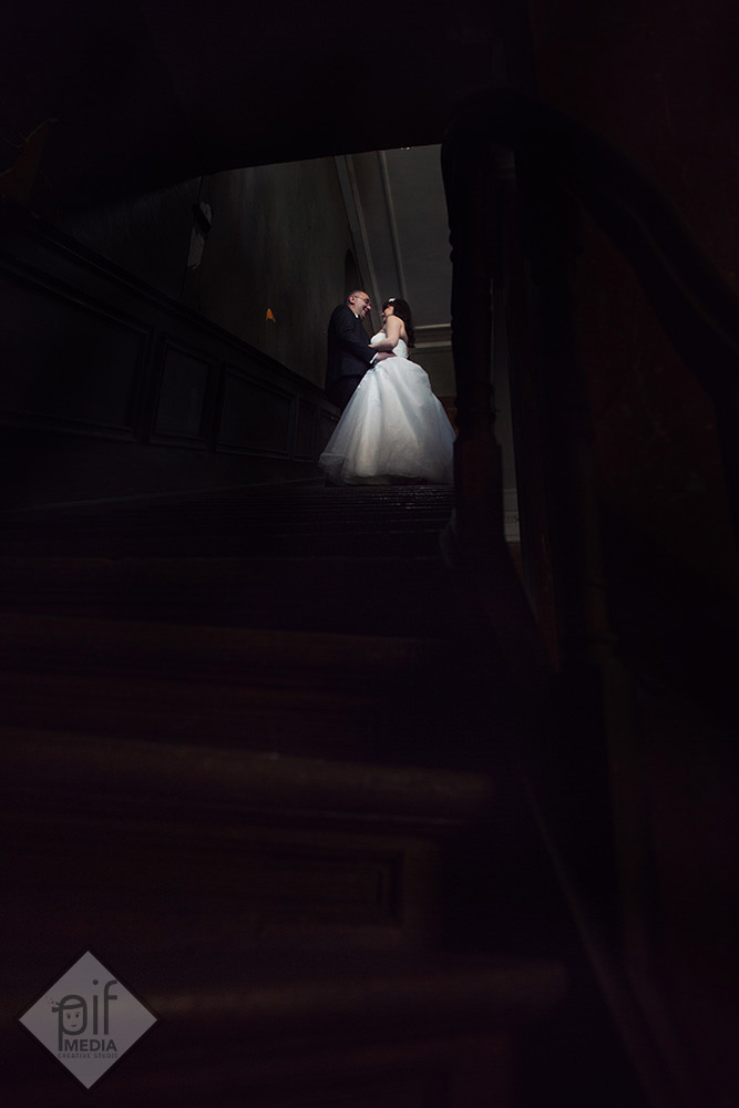 mirele si mireasa pe scari palatul ghica